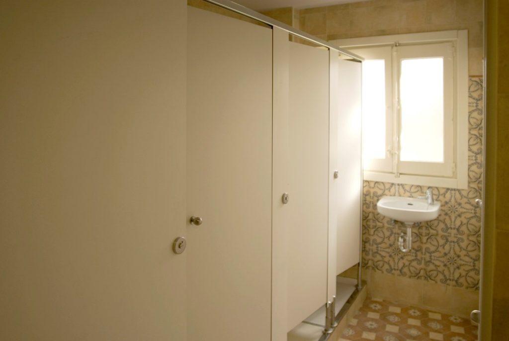 Aseos y duchas comunes