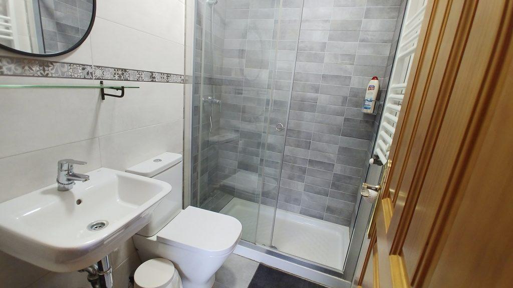 Habitación doble con baño Albergue de Peregrinos